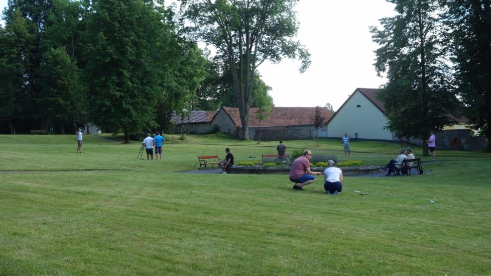 nácvik náhozů v parku