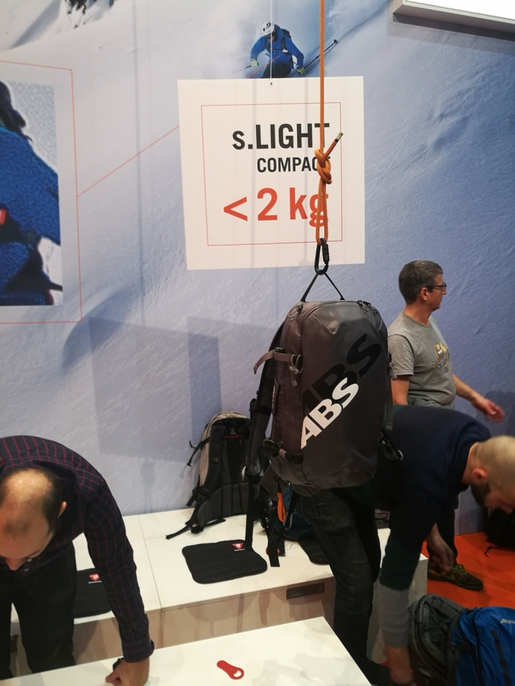 Představení nového batohu s.LIGHT compact s fantastickou váhou pod 2kg.