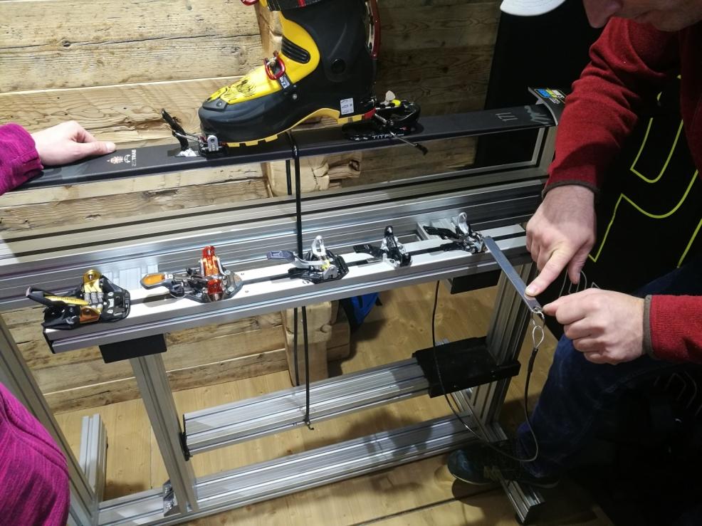 Přední upínací hroty u SkiTrab vázání jsou řešeny tak, že eliminují nežádoucí vypnutí špičky boty. Každý si mohl vyzkouše a porovnat oproti konkurenci funkčnost SkiTrab vázání.